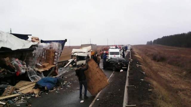 Два человека погибли в массовом ДТП в Удмуртии (1)