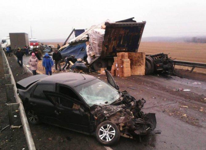 Два человека погибли в массовом ДТП в Удмуртии (2)