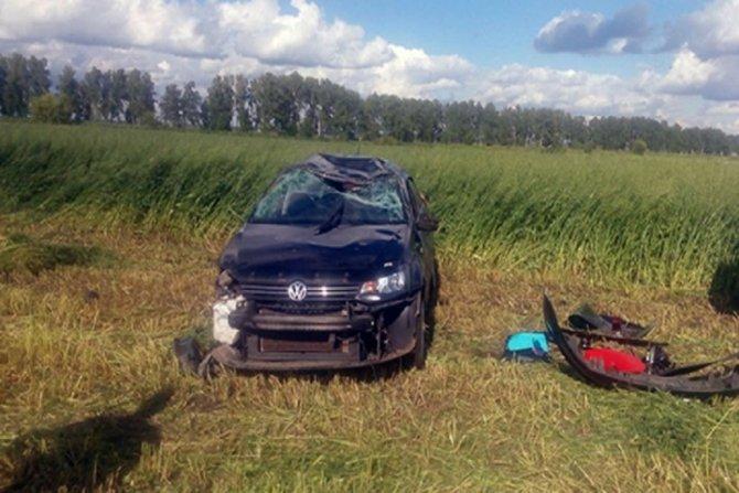 В Воронежской области женщина погибла в опрокинувшейся машине