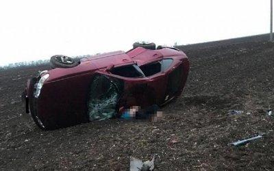 Водитель опрокинувшейся иномарки погиб в Павловском районе Краснодарского края
