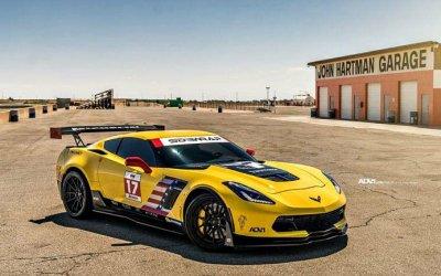 «Заряженный» Chevrolet Corvette Z06: стрека— надорогу