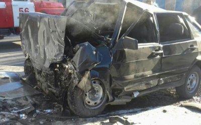 В Кимовске ВАЗ врезался в монумент – водитель погиб