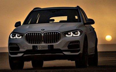 Новый BMW X5 испытали впустыне