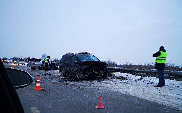 Два человека погибли в ДТП на подъезде к Сургуту