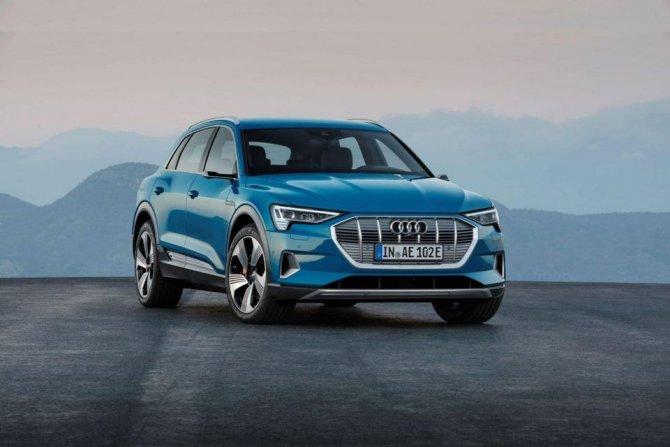 Audi e-Tron фото