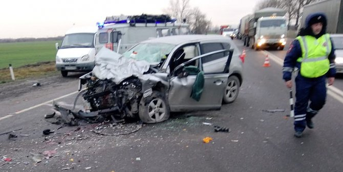 Два человека погибли в ДТП с иномарками на Кубани (2)