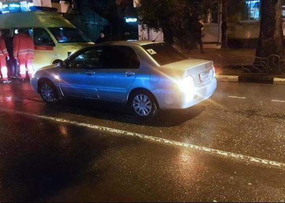 В Сочи автомобиль сбил 12-летнююю девочку