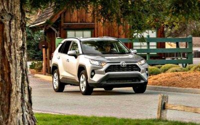 Нарынок выходит новая Toyota RAV4