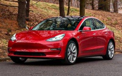 Tesla начала выпускать по1000 электромобилей Model 3 вдень