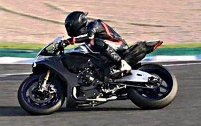 Льюис Хэмилтон упал смотоцикла: жертв иразрушений нет