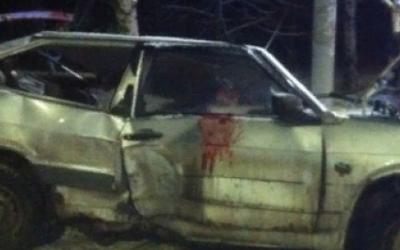 В Иванове ВАЗ врезался в дерево – погибла 19-летняя девушка