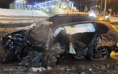 В Ярославле в ДТП погиб водитель иномарки