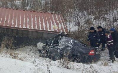 Два человека погибли в ДТП с грузовиком в Красноярском крае