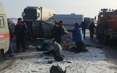 В ДТП с КамАЗом в Энгельсском районе пострадали 6 человек