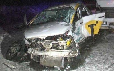 Водитель такси погиб в ДТП под Екатеринбургом