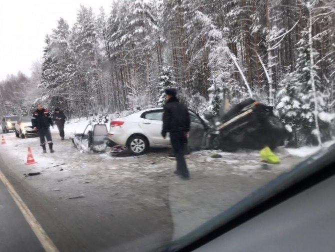 Четыре человека, включая ребенка, погибли в ДТП на трассе «Кола»
