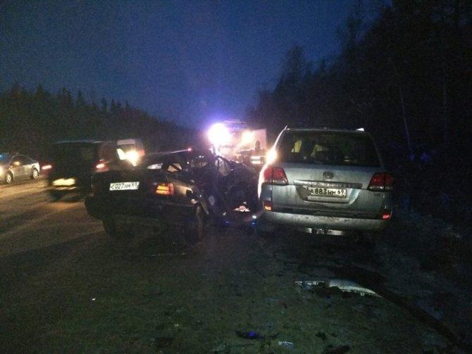 Под Тверью в ДТП погибли два человека (2)