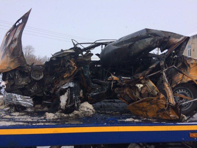 Водитель ВАЗа сгорел в машине после ДТП в Тамбовской области (4)