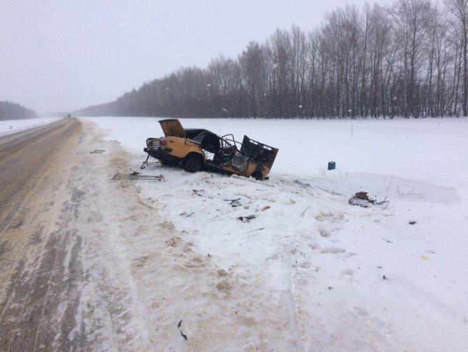 Водитель ВАЗа сгорел в машине после ДТП в Тамбовской области (3)