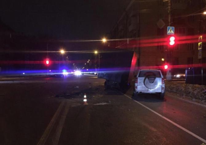 Три человека погибли в ДТП с грузовиком в Волгограде
