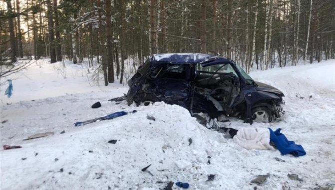 Девушка погибла в ДТП с двумя «Маздами» под Томском (1)