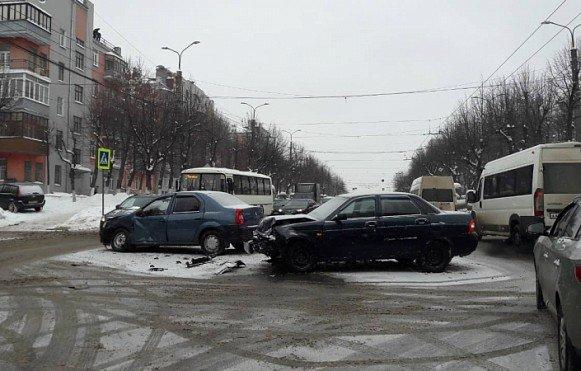 Три человека пострадали в ДТП в Иванове