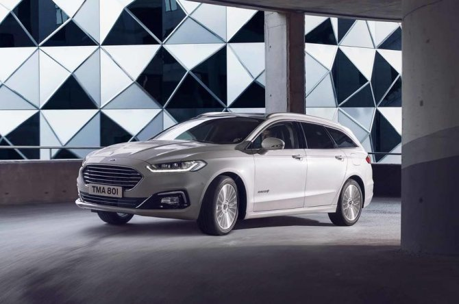 New 2019 Ford Mondeo 8