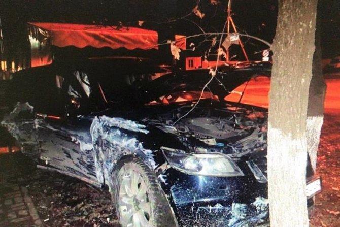 В Краснодаре водитель иномарки сбежал с места ДТП, бросив раненых пассажирок (1)