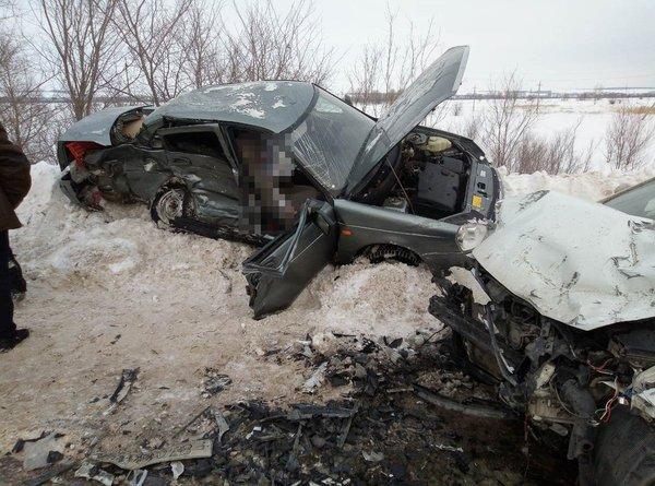 Женщина-водитель «Лады» погибла в ДТП в Кинель-Черкасском районе (1)