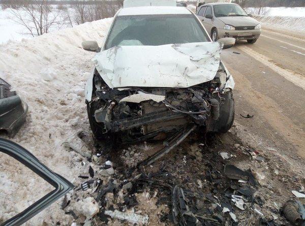 Женщина-водитель «Лады» погибла в ДТП в Кинель-Черкасском районе (2)