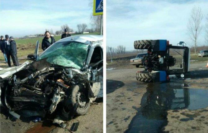 Два человека пострадали в ДТП с трактором на Кубани