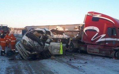 Пассажирка микроавтобуса погибла в ДТП в Ногликском районе