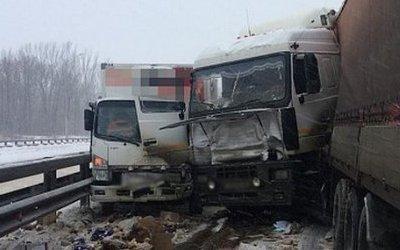 Два человека пострадали в массовом ДТП под Уфой