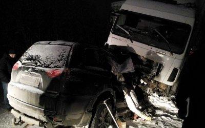 Три человека погибли в ДТП с грузовиком в Архангельской области