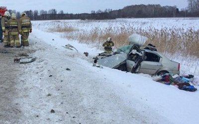 Три человека погибли в ДТП на трассе Екатеринбург - Тюмень