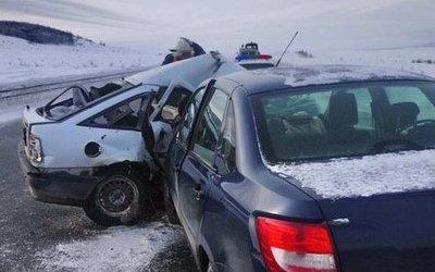 Водитель иномарки погиб в ДТП в Саратовской области