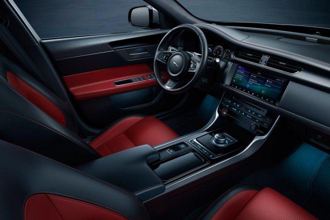 Jaguar XF 5