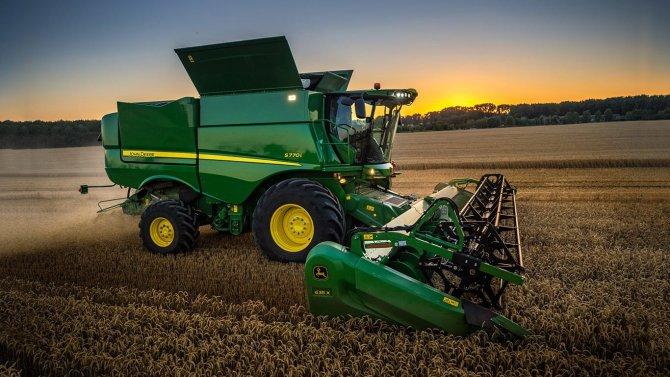 зерноуборочный комбайн John Deere S760