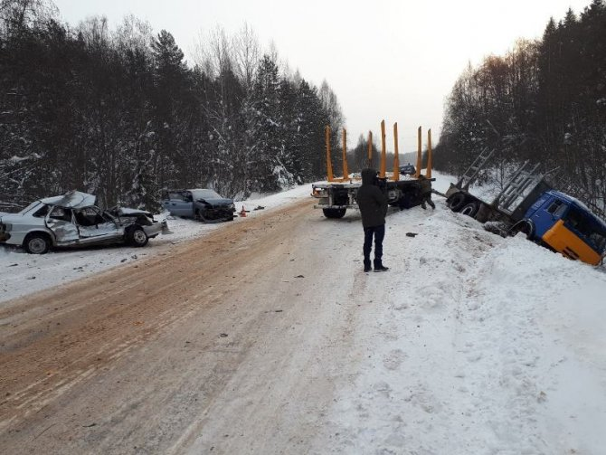 Водитель ВАЗа погиб в ДТП с КамАЗом под Устюгом (2)