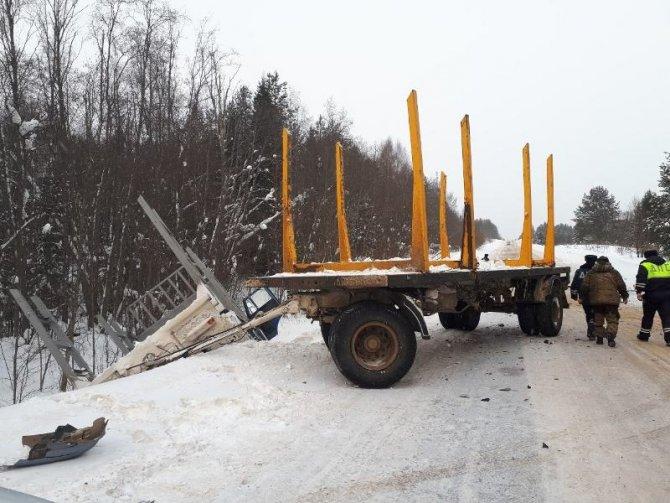 Водитель ВАЗа погиб в ДТП с КамАЗом под Устюгом (1)