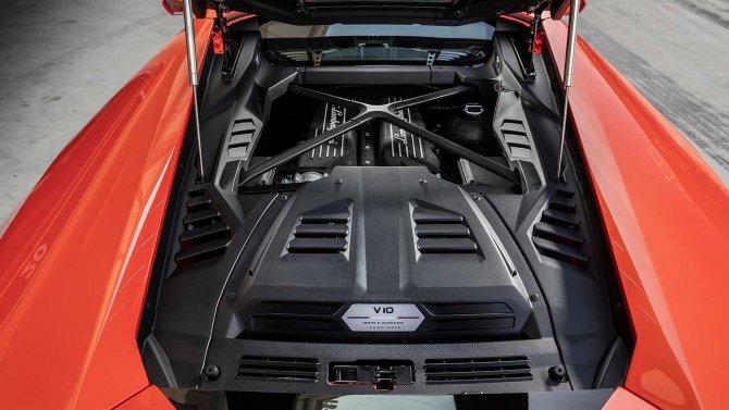 Lamborghini Huracan Evo 8