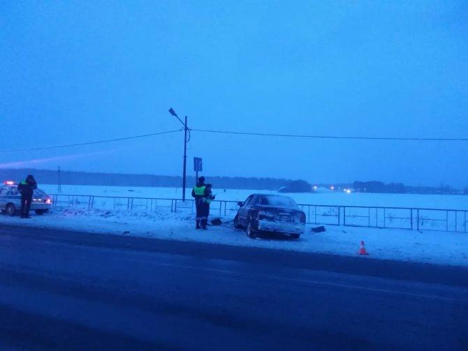 В ДТП под Екатеринбургом по вине пьяного водителя пострадали три человека (2)
