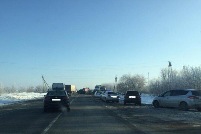 Мужчина и девушка погибли в массовом ДТП под Челябинском (1)