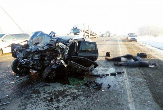 Мужчина и девушка погибли в массовом ДТП под Челябинском (4)