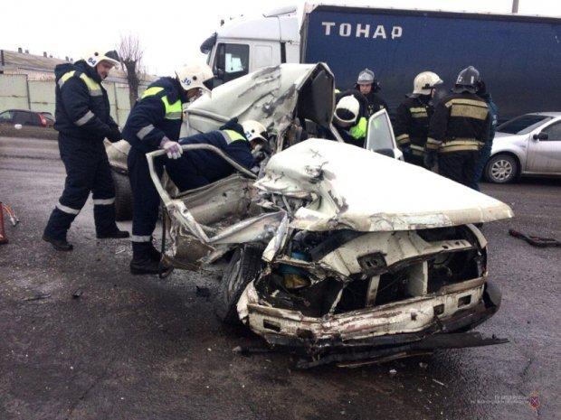 Два человека погибли в ДТП с фурой в Волгограде (1)
