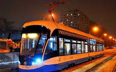 «Дочего дошёл прогресс…»: вМоскве нарельсы встал трамвай-робот