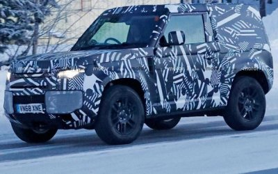Частично рассекречен интерьер нового Land Rover Defender