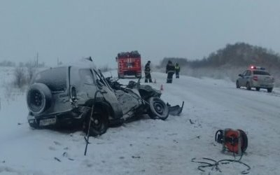 Два человека погибли в ДТП с грузовиком в Оренбургской области