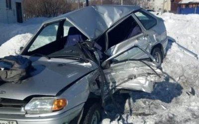 Водитель ВАЗа погиб в ДТП в Омской области