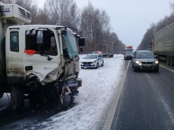 Два человека погибли в лобовом ДТП в Лысковском районе (3)